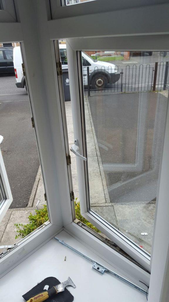 Upvc window lock repair north shields d r locks for Upvc window repairs