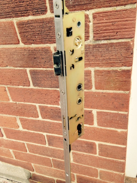 Locksmith In North Shields on how can i repair this door and deadlock